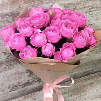 24 пионовидные розы